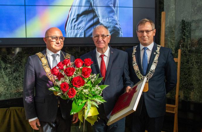 XI Sesja Rady Miasta. Antoni Piechniczek honorowym obywatelem Chorzowa