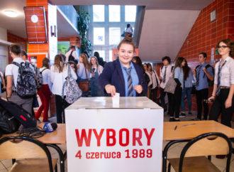 """Młodzi głosują. Prawybory w """"Słowaku"""""""