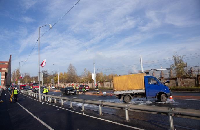 Wypadek na ul. Katowickiej. Są poszkodowani
