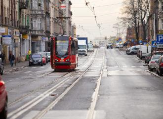 Kolejny etap remontu ważnej ulicy. Kiedy wrócą tramwaje?