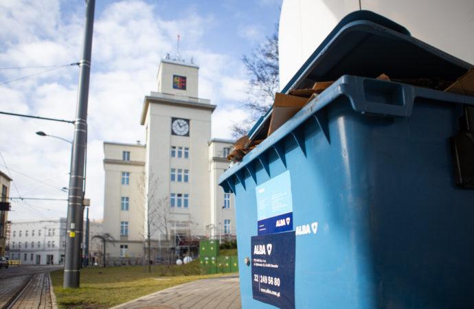 Nowy przetarg na wywóz śmieci. Miasto uspokaja: odpady będą wciąż odbierane