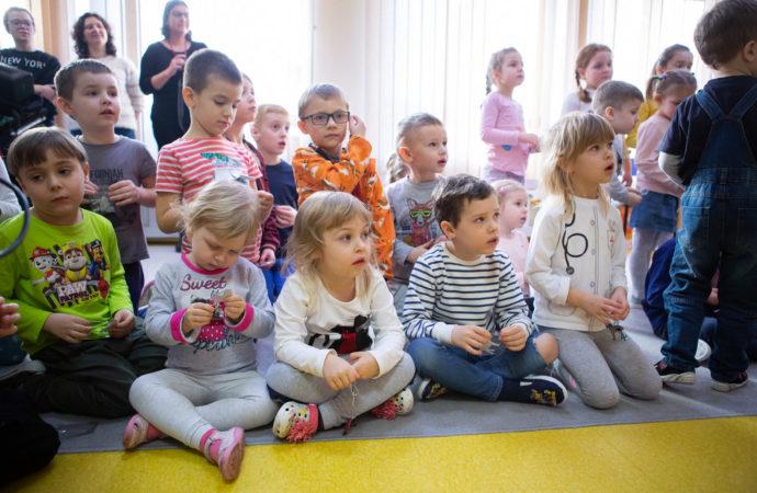 Mniej dzieci, specjalne procedury. Przedszkola i żłobki ponownie otwarte