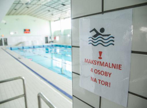 Miejskie baseny ponownie częściowo dostępne
