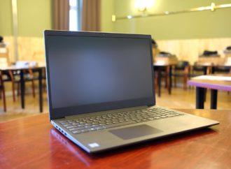Nauka zdalna. Dzieci dostaną nowe laptopy