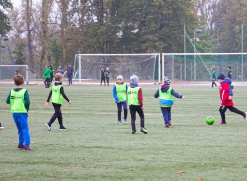 Olimpiada Przedszkolaka. Mali adepci piłki nożnej spotkali się na Śląskim