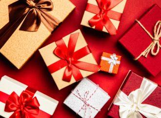 Paczki świąteczne dla dzieci w oddziałach onkologicznych i Domach Dziecka