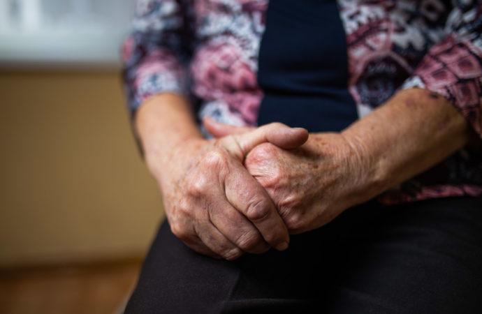 Godziny dla seniorów. Apel o solidarność z osobami starszymi
