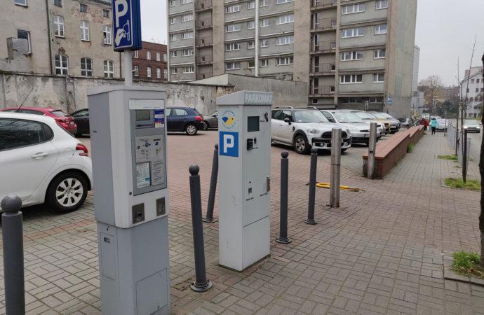 Strefa płatnego parkowania powiększona. Są też nowe stawki