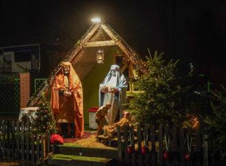 Tradycji stało się zadość. Trzej Królowie odwiedzili żywą szopkę w Chorzowie Starym