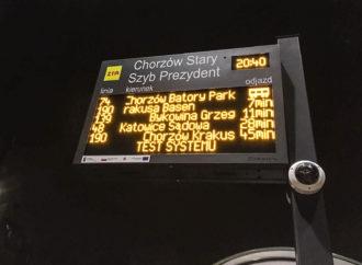 Autobus przyjedzie za 2 minuty. Nowe tablice na przystankach