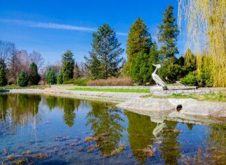 Renowacja parkowej rzeźby pokazała jej zagadkową historię