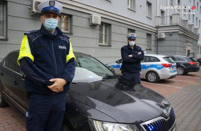 Kierowca do policjantów: moja żona rodzi! Pomogli bez wahania