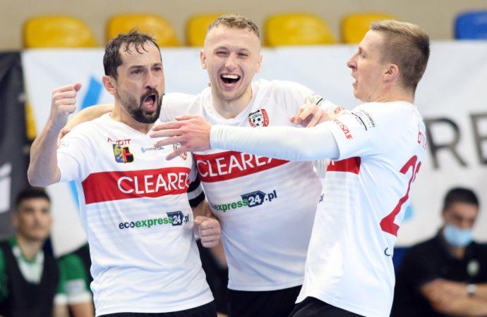 Grad bramek po przerwie. Clearex w ćwierćfinale Pucharu Polski