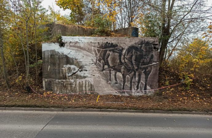 Konie jak dawniej, czyli nowy mural na starej ścianie