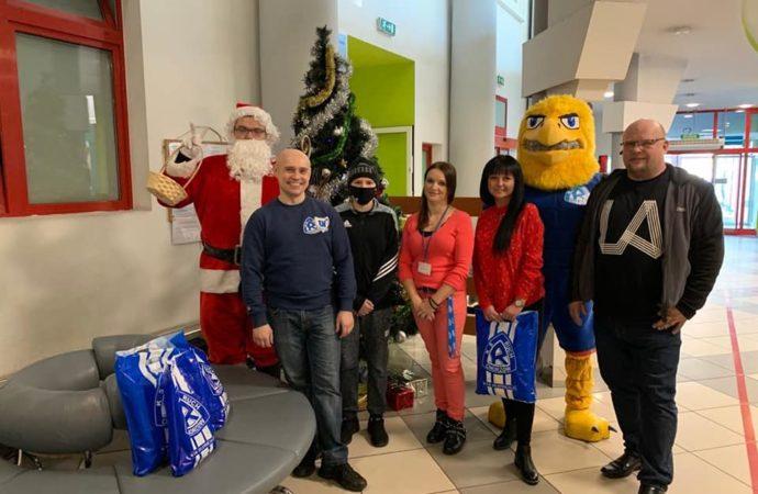 Niebieska społeczność kupi świąteczne prezenty dla najmłodszych
