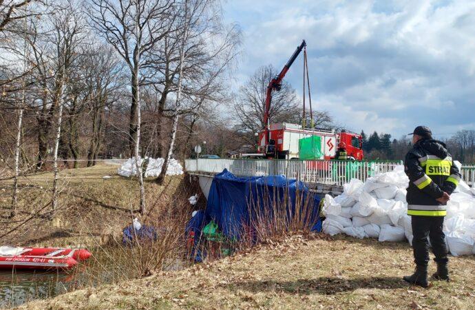 Ćwiczenia Straży Pożarnej w Parku Śląskim. Wstęp do modernizacji ważnego zbiornika
