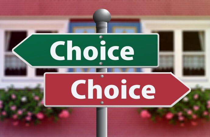 Co wybrać własną stronę internetową, czy konto w social mediach?
