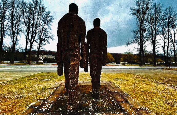 Kolejne parkowe rzeźby przejdą renowację