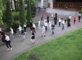 Franciszkanie z Klimzowca wzięli udział w popularnym wyzwaniu. Film robi wrażenie