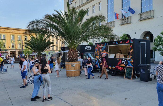 JeMY Fest, czyli zlot foodtrucków na Rynku