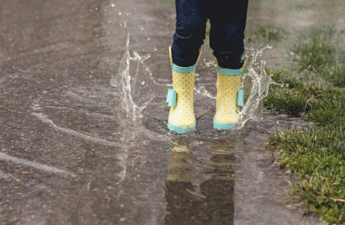 Jakie buty założyć na niepewną pogodę?
