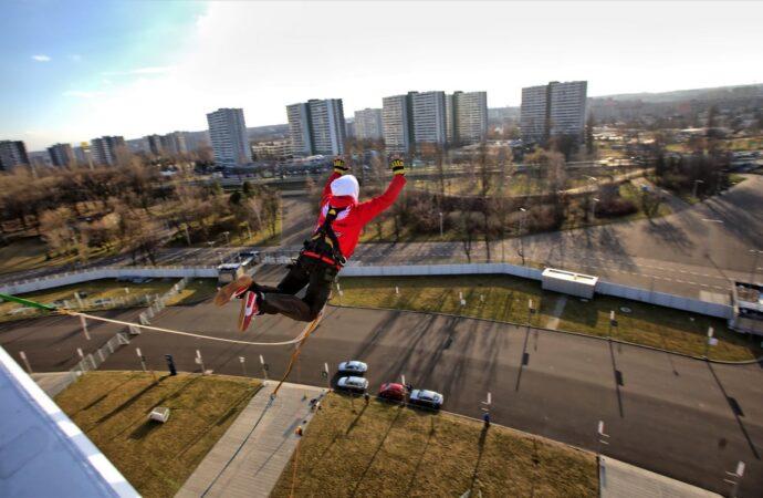Za rok będzie można skoczyć z korony Stadionu Śląskiego