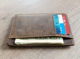 """""""Zrobiłam to co należy"""". Dzięki uczciwości bytomianki mężczyzna odzyskał portfel"""