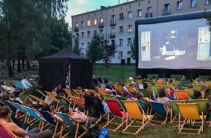 Kino plenerowe na Batorym przeniesione na wrzesień