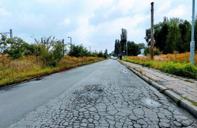 Objazdy na Batorym. Trwa remont jezdni na ul. Stalowej
